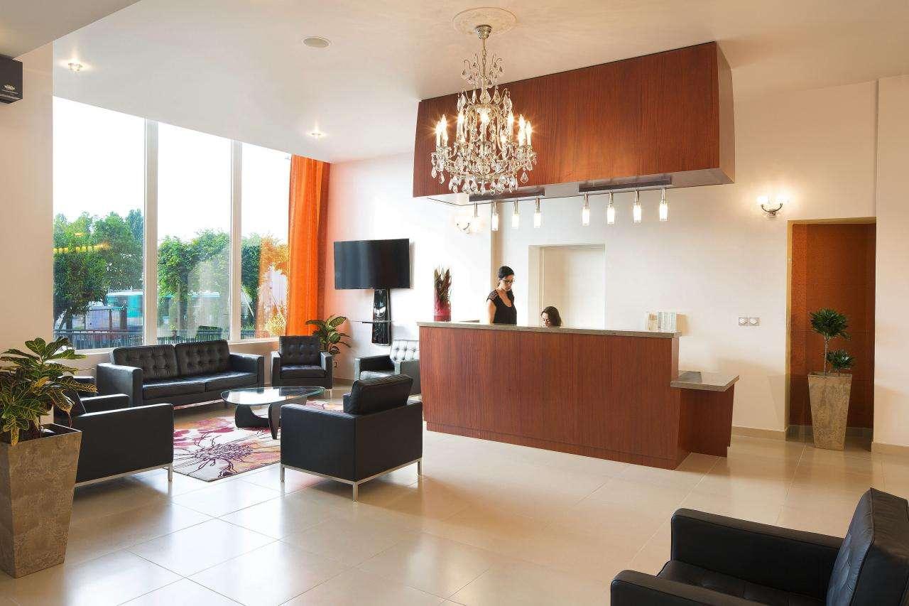 Executive Hotel - Reception