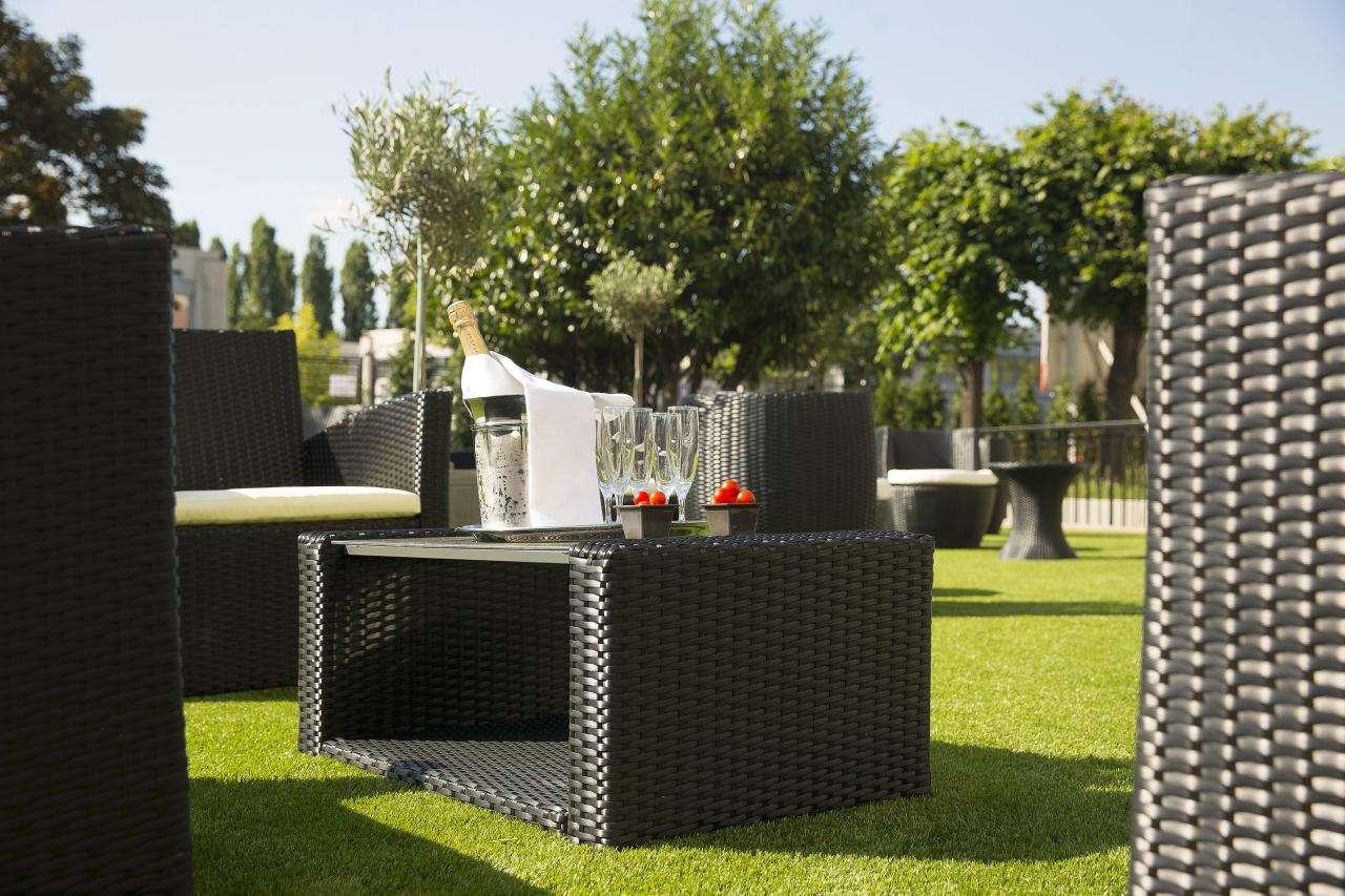 Executive Hotel - Terrace